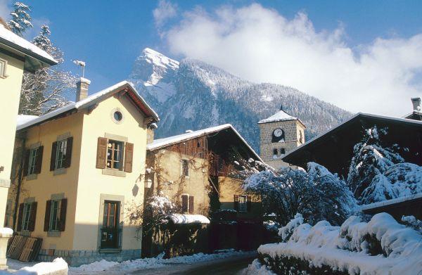 kleine Dörfer nahe großer Skigebiete: Samoens