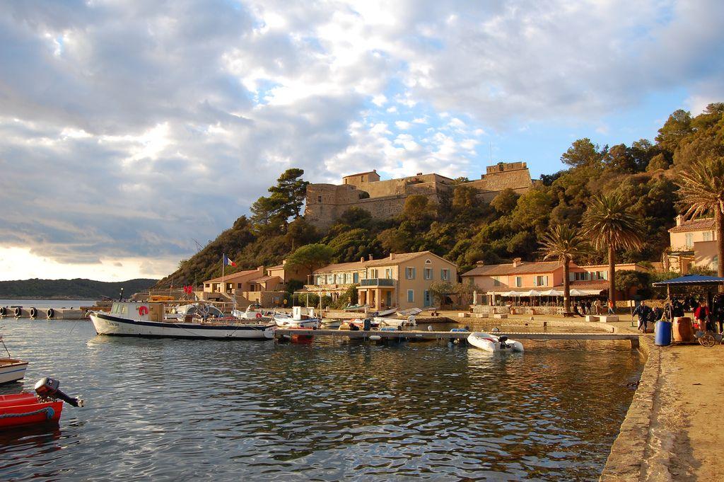 port-cros-mooiste-franse-eilanden-cc-paskualo