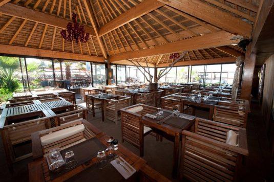 Les Vagues Grau d'Agde-Restaurants am Meer Strand Zelte