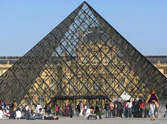 Warteschlange für den Louvre