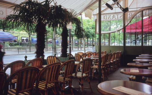 Terrasse-Paris-Rostand