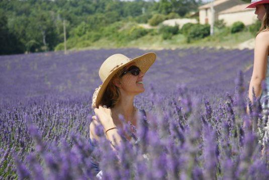 Carole und Lavendelfelder
