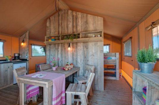Lodge-Zelte für 4 bis 6 Personen