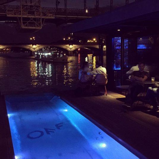 Le OFF Seine Paris ist ein idealer Mix aus gelungenem Design, städtischem Flair und Strand-Feeling.