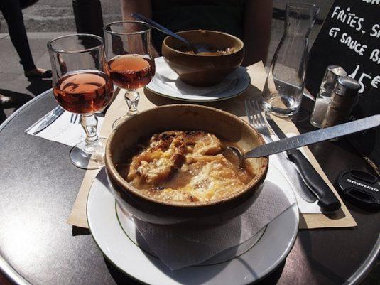 Soupe à l'oignon gratinée –Le Cochon à l'Oreille