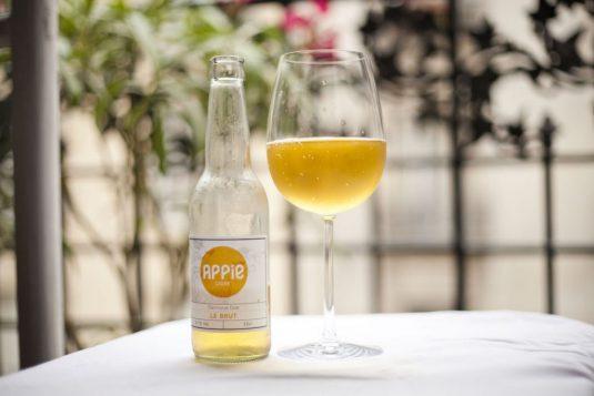 Hipster cider aperitif Frankreich