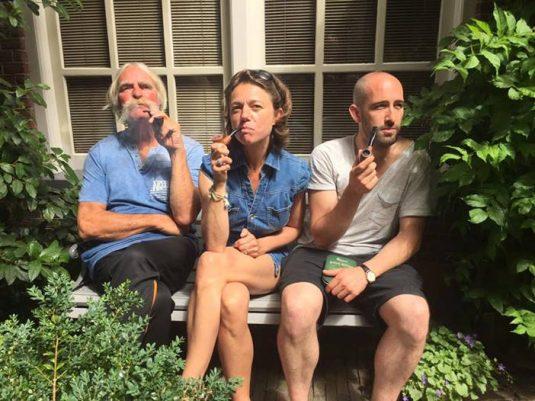 Carole, Pfeife und Nachbarn