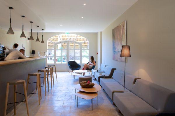 La b gude saint pierre modernes hotel voller charme im gard for Hotel design occitanie