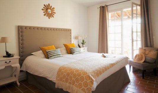 Zimmer im eleganten provenzalischen Stil