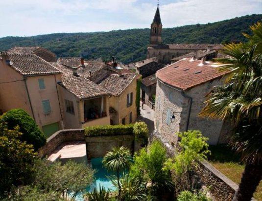 über 2.800 Sonnenstunden im Departement Gard im Languedoc-Roussillon