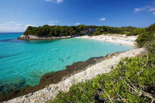 Der sonnige Süden von Korsika: Plage duPetitSpérone