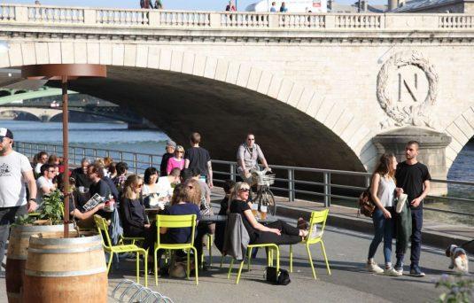 Paris Park Rives de Seine - Ufer der Seine: So nah am Wasser rumzulaufen und rumzuhängen ist wirklich herrlich.
