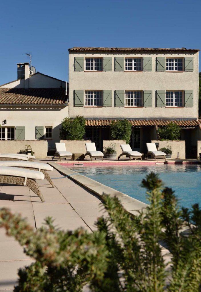 Schwimmbad des Hotels Bois des Dames