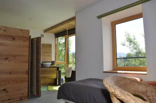 Gästezimmer im schönen, modernen Nebengebäude