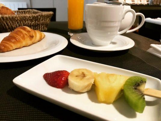 Das köstliche Frühstück wurde im Design-Salon im Erdgeschoss des Hotels reserviert.
