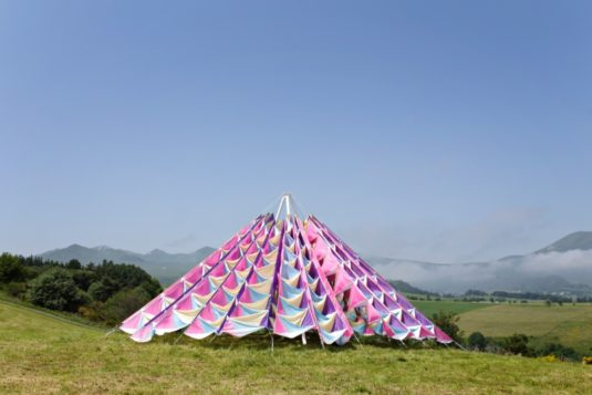 The Wind Cathedral Installation von Marx Nixon Les Horizons de Sancy