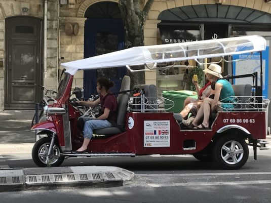 Tuktuk in Bordeaux
