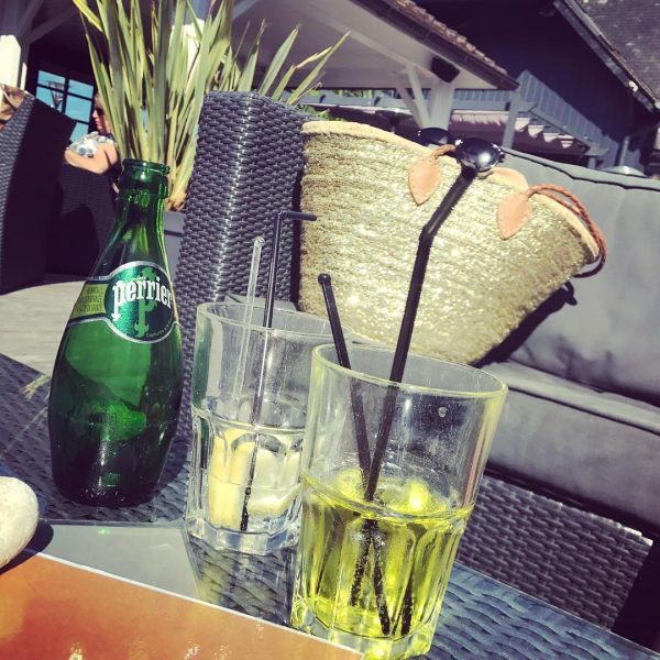 Wasser im Restaurant in Frankreich