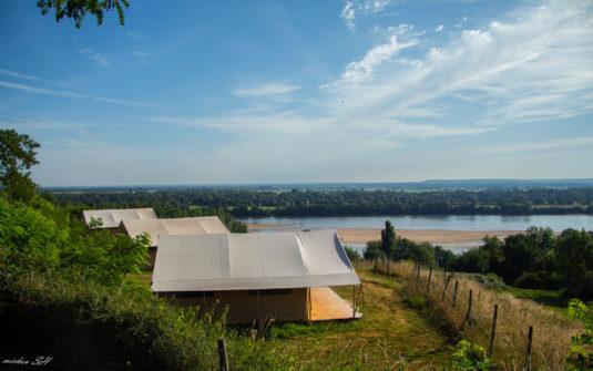 Mit Aussicht auf die Loire: Camping Huttopia Saumur