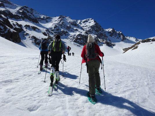 Wanderung im Schnee beim Chalet d'en Ho