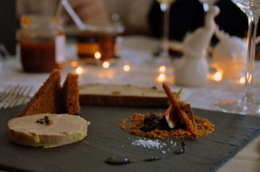 Foie Gras fürs neue Jahr in Frankreich am Abendessen