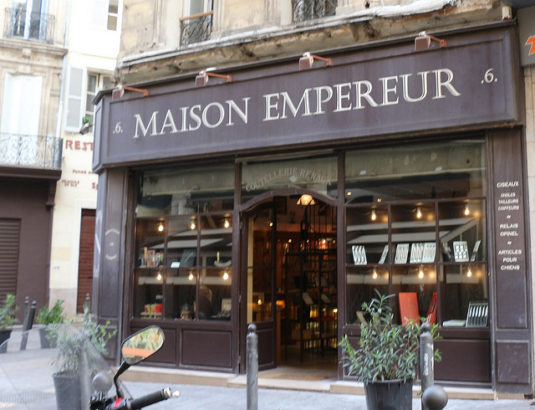 Maison Empereur: Altmodische quincaillerie in Marseille