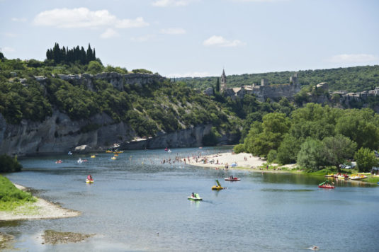 Natur Campingplatz in der Ardèche am Fluss