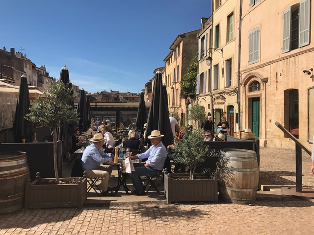 Kaffeeterrasse und Sonne in Aix-en-Provence