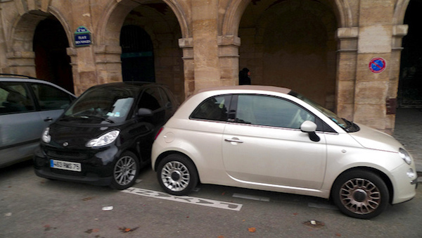 Buße für Falschparken in Paris