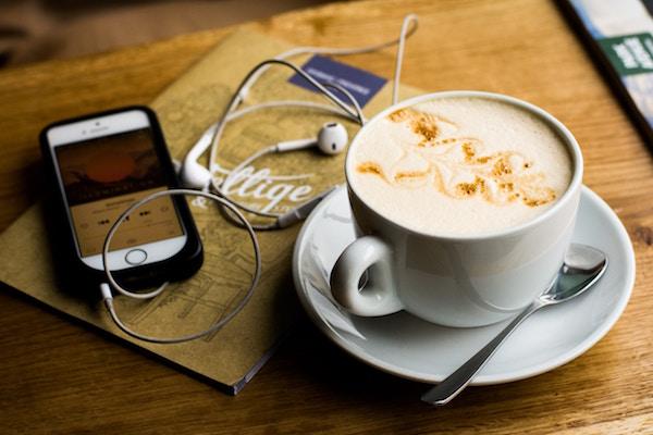 7 französische Radiosender, die man kennen sollte