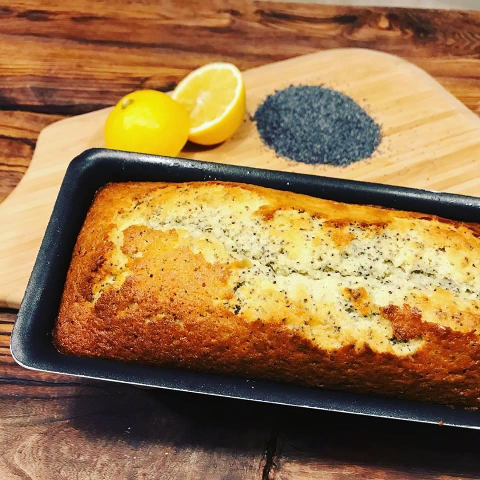 Zitrone und Mohnkuchen