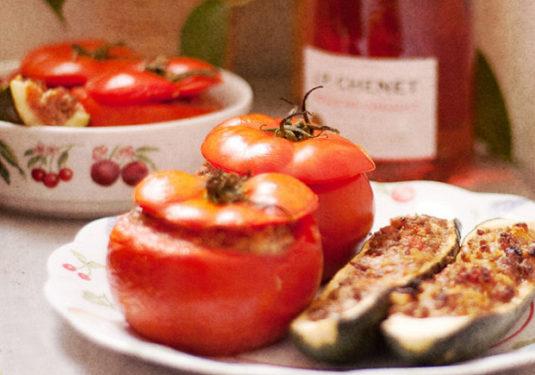 """Mit """"chair à saucisses"""" gefülltes Gemüse"""