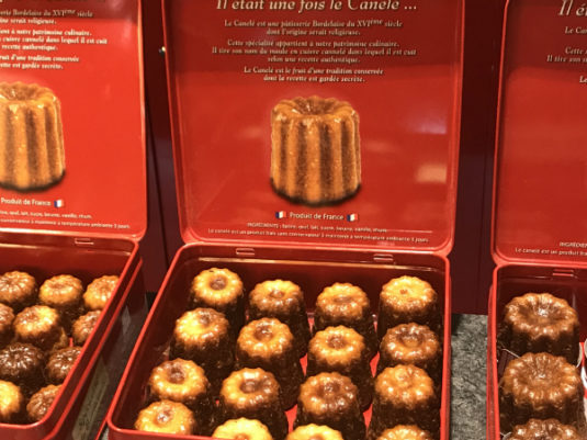 Mini Kuchen für Kinder in Bordeaux Cannelés