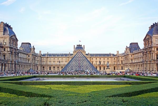 Louvre, das größte Museum von Paris