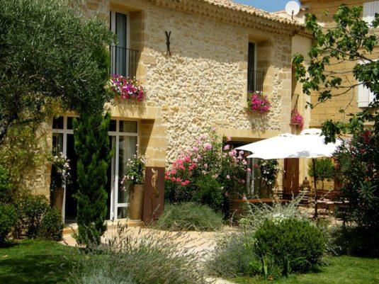 La Maison de Léonie liegt versteckt im hübschen Dorf Collias.