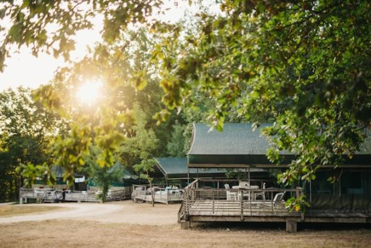 Camping Les Ormes - Rand des Périgord (besser bekannt als Dordogne)