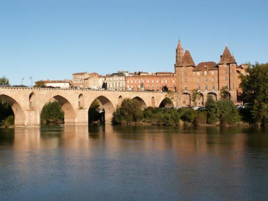 Stadt Montauban in Suedfrankreich