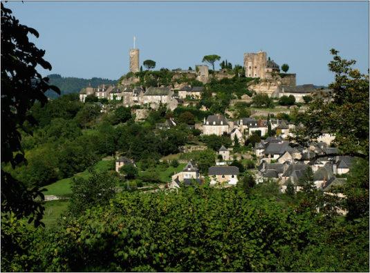 Turenne Dörfer entlang der französischen Autobahn