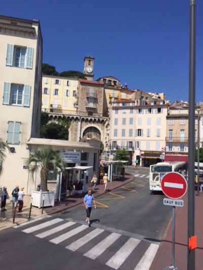Insel Sainte Marguerite Cannes Restaurant Anzicht Bus