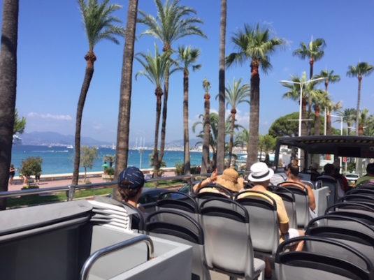 Tagestour Insel Sainte Marguerite Cannes Doppeldecker Bus