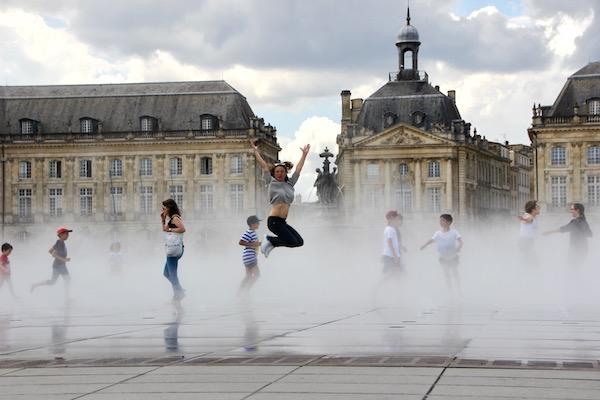 Altstadt und Flussufer in Bordeaux