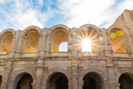 Die römischen und romanischen Monumente in Arles