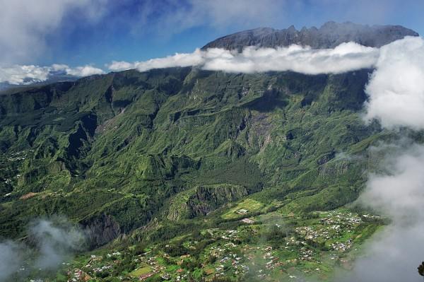 Die Berggipfel und Talkessel auf Réunion