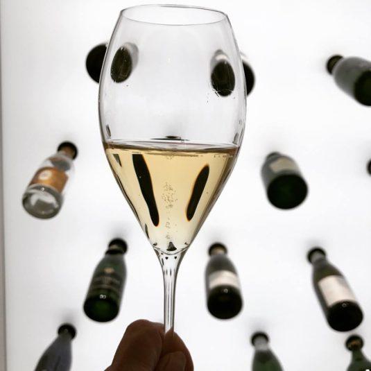 Champagnergläser nicht zu voll gießen