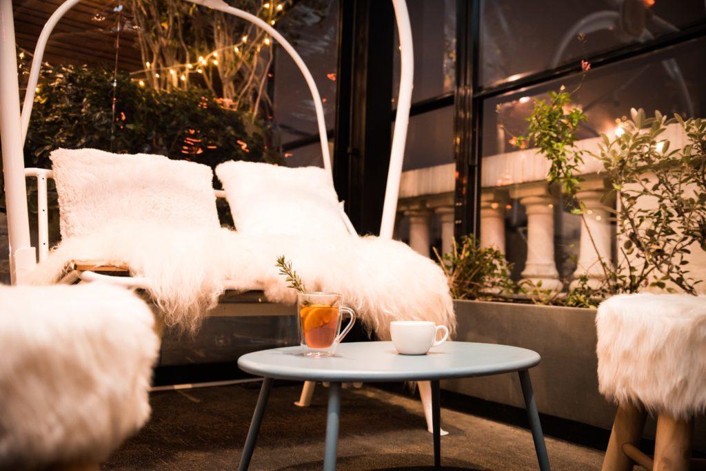 winterliche Dachterrasse Raclette Bar