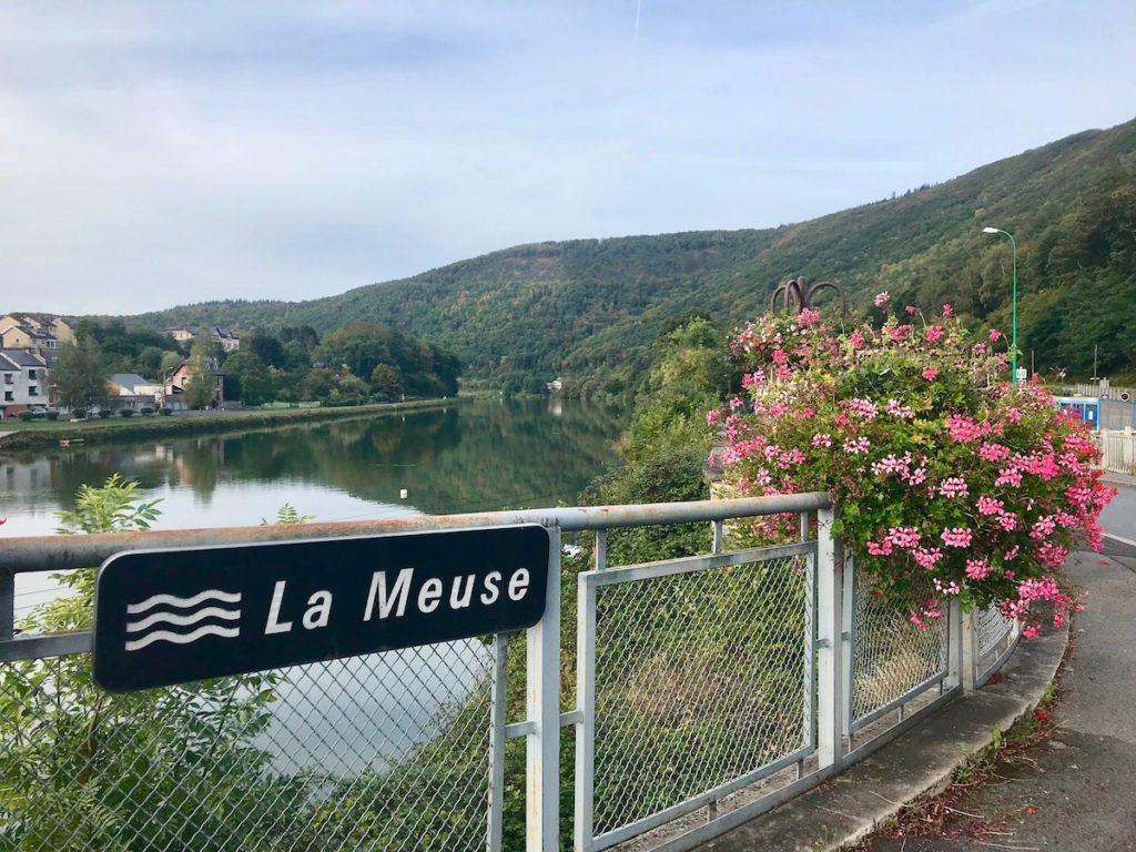 Radfahren entlang der Maas (Meuse)