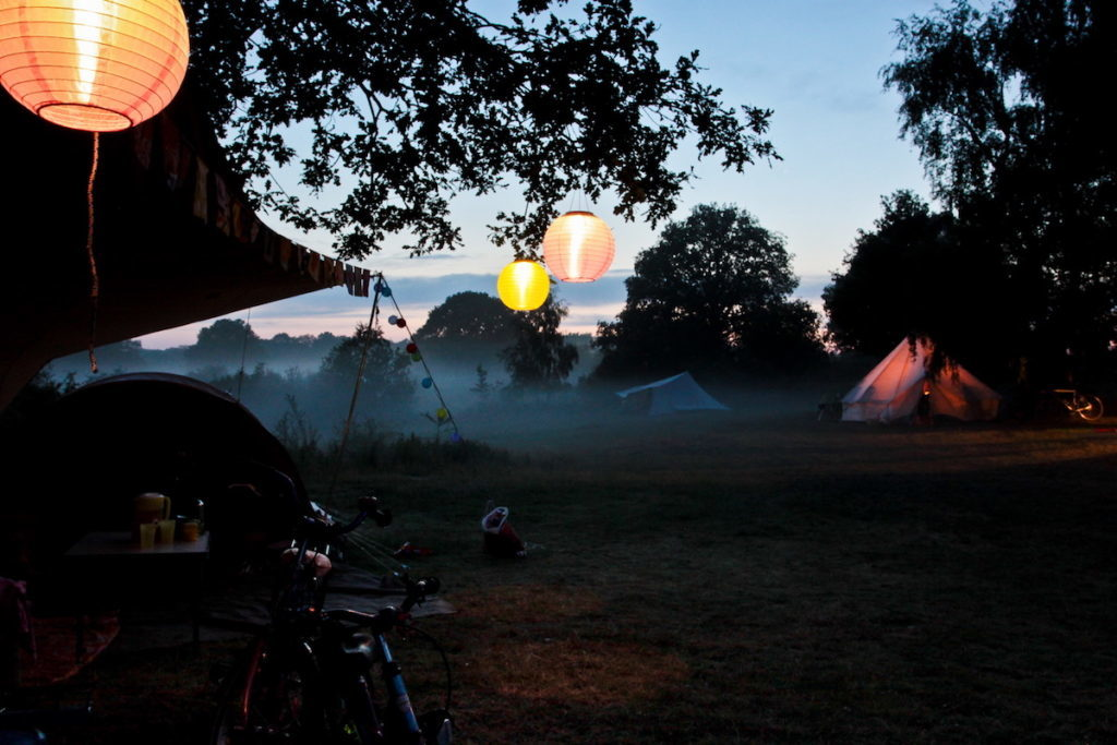 Camping La Plage Blanche Jura Huttopia