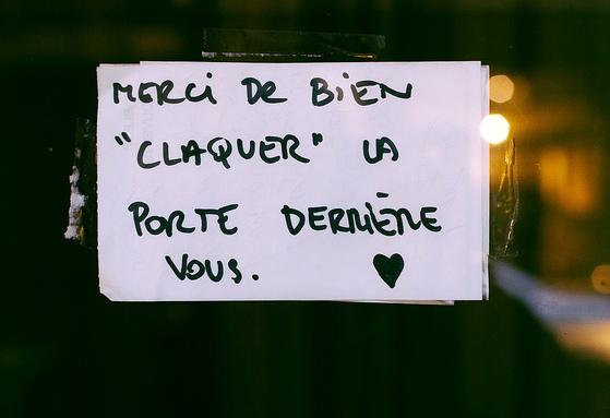 Sich auf Französisch bedanken merci