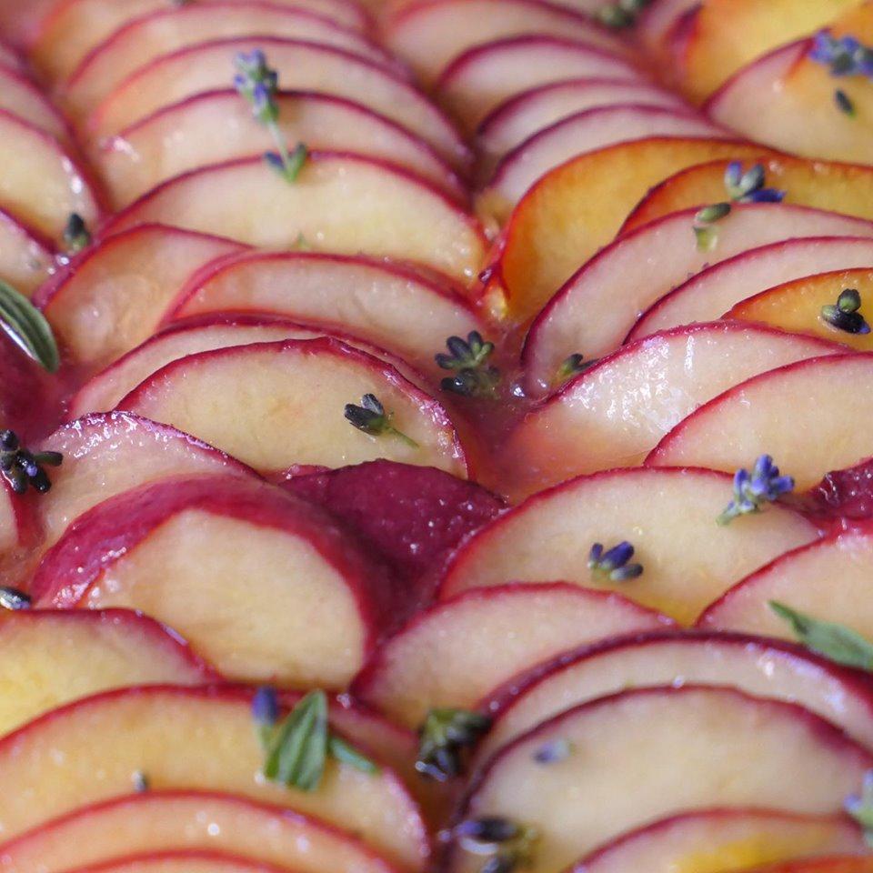Pfirsichkuchen mit Lavendel Rezept