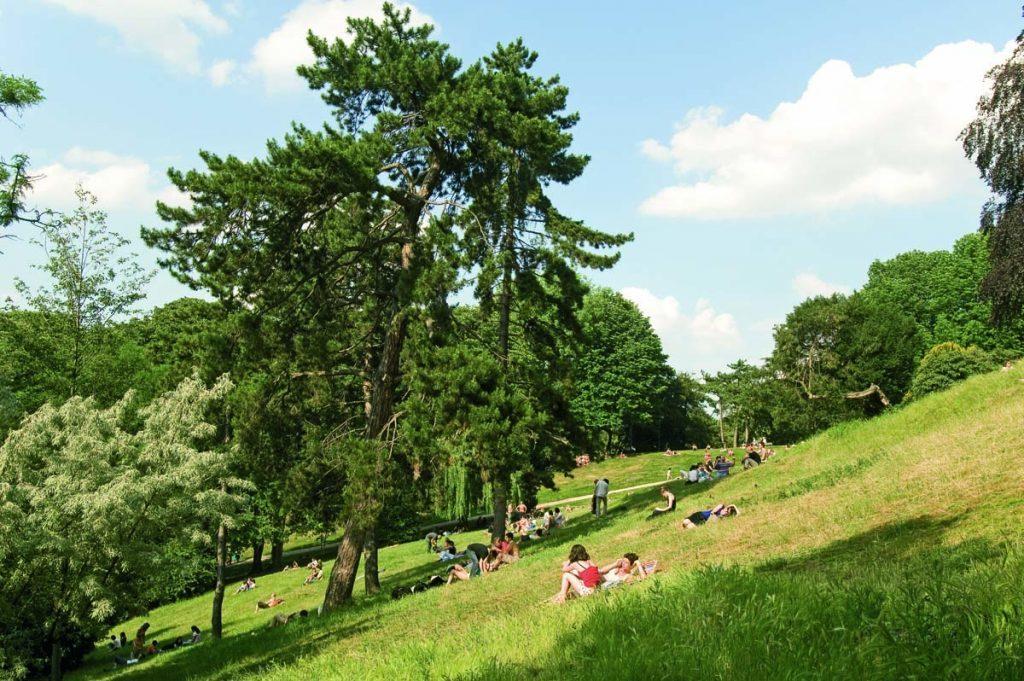 Picknickplätze in Paris Buttes Chaumont